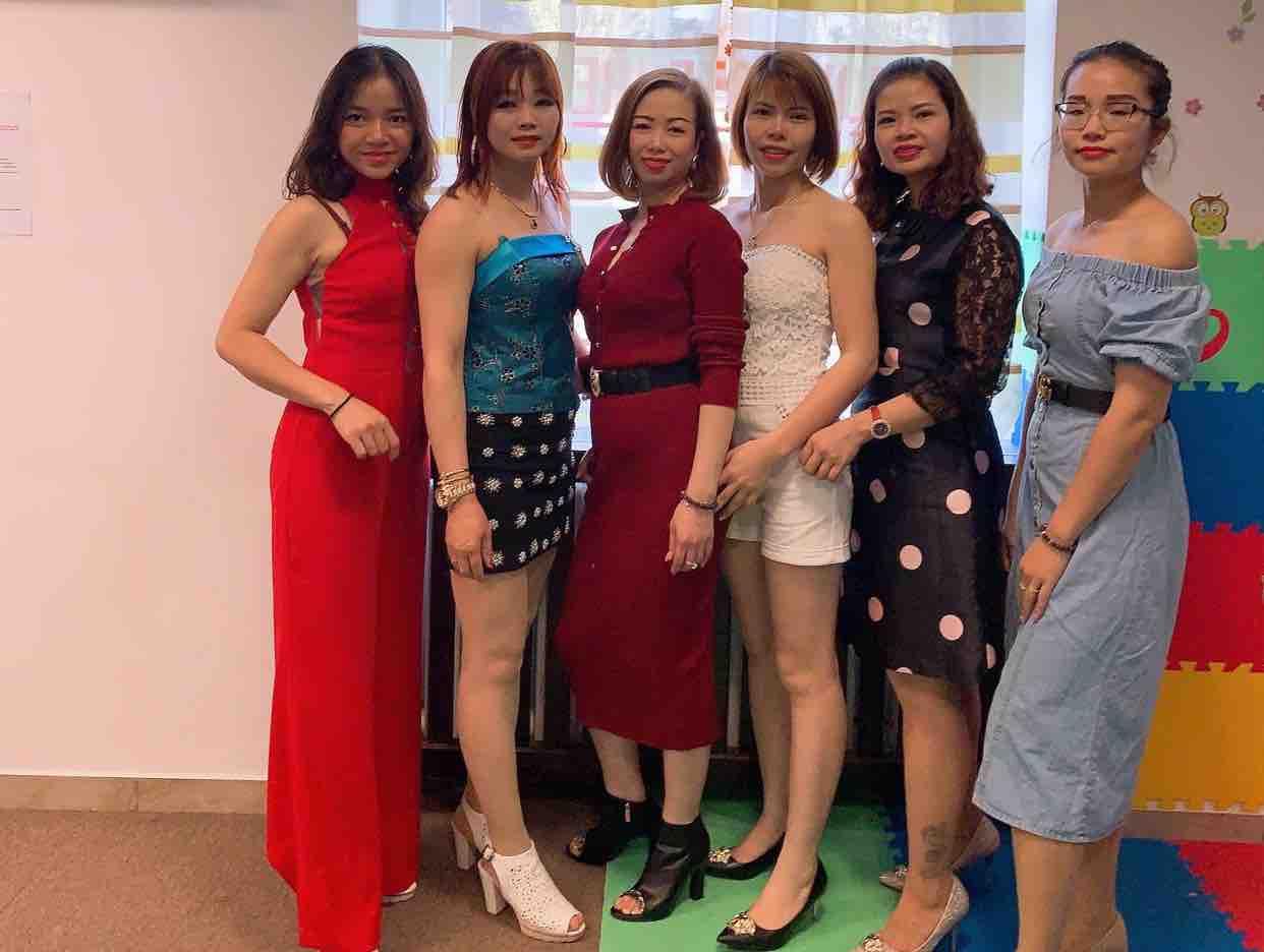 Karaoke Ai Thương Yêu Em - Ngọc Diem Huynh & Lien Nguyen